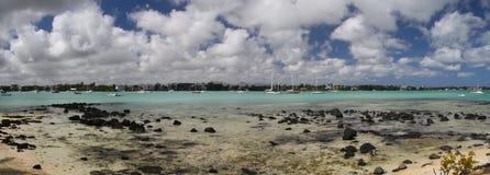 Playa en la marea baja Foto de archivo libre de regalías
