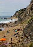 Playa en los peñascos de Mohegan Foto de archivo libre de regalías