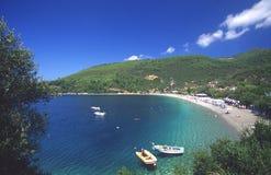 Playa en los skopelos, Grecia Fotos de archivo libres de regalías