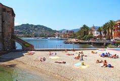 Playa en Rapallo, Italia Fotografía de archivo