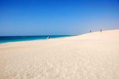 Playa en Santa María - isla de la sal - Cabo Verde Foto de archivo libre de regalías