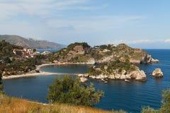 Playa en Taormina, Sicilia. fotografía de archivo libre de regalías