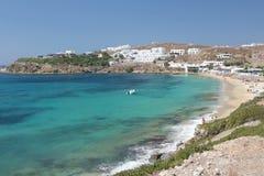 Playa griega de la isla - Mykonos Foto de archivo