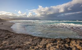 Playa hawaiana hermosa Kaneohe, Oahu imagen de archivo