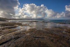 Playa hawaiana hermosa Kaneohe, Oahu imágenes de archivo libres de regalías