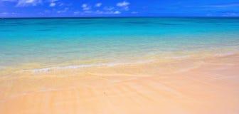 Playa hawaiana - Oahu Imágenes de archivo libres de regalías