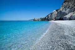Playa hermosa con agua muy clara en la isla Skiathos Imagen de archivo