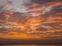 Playa hermosa de la puesta del sol en Tailandia Fotografía de archivo libre de regalías