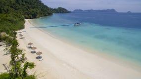Playa hermosa del mar blanco del mar de andaman de la isla del phee del oo del nyang BO Fotografía de archivo