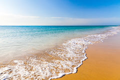 Playa hermosa del océano Fotos de archivo