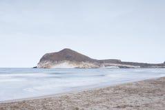 Playa hermosa en Andaluc3ia, España Imágenes de archivo libres de regalías