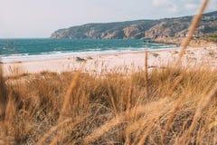 Playa hermosa en Portugal Foto de archivo