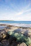 Playa hermosa en un período de la marea baja Fotografía de archivo libre de regalías