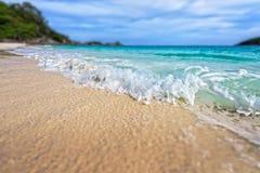 Playa inclinable de la falta de definición del cambio en el parque nacional de Similan, Tailandia Imagen de archivo libre de regalías