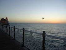Playa inglesa en crepúsculo fotos de archivo libres de regalías