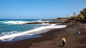Playa Jardin - Puerto de la Cruz uno de las playas más hermosas de Tenerife Isla de Tristan imagen de archivo libre de regalías