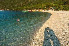 Playa Kefalonia Grecia de Antisamos Foto de archivo libre de regalías