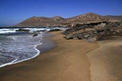 Playa la的Solapa,费埃特文图拉岛著名盐水湖 库存图片