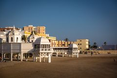Playa-La Caleta in Cadiz Andalusien stockbilder