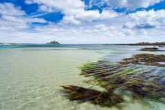 Playa larga Cornualles Inglaterra Reino Unido de la roca Fotos de archivo