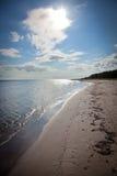 Playa larga de la arena en la isla de Faro en Suecia Fotografía de archivo
