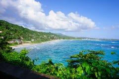 Playa larga de la bahía en Portland, Jamaica Fotografía de archivo