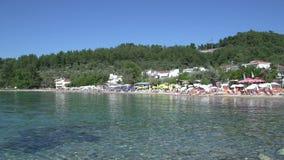 Playa Limenas, ciudad de Thassos, Grecia almacen de metraje de vídeo
