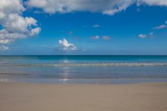 Playa Macao, Punta Cana, Repubblica dominicana: spiaggia pubblica di stupore, mare cristallino, paradiso tropicale; scenario mera fotografie stock libere da diritti