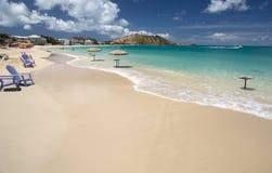 Playa magnífica del caso en San Martín en el Caribe Foto de archivo libre de regalías