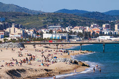 Playa mediterránea en Badalona, España fotos de archivo libres de regalías
