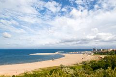 Playa moderna en Constanta, Rumania Fotos de archivo libres de regalías