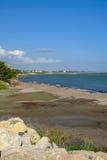 Playa natural en Zygi, Chipre Fotos de archivo