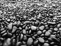 Playa negra de la roca fotos de archivo libres de regalías