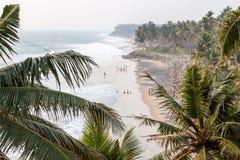 Playa negra de Varkala fotografía de archivo