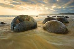 Playa Nueva Zelanda de Moeraki Boulder Imagen de archivo libre de regalías