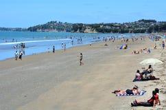 Playa Nueva Zelanda de Orewa Imágenes de archivo libres de regalías