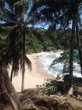 Playa ocultada en Phuket, Tailandia Foto de archivo
