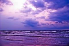 Playa púrpura imagen de archivo libre de regalías
