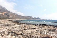 Playa pedregosa salvaje Imágenes de archivo libres de regalías