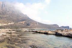 Playa pedregosa salvaje Imagenes de archivo