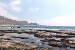 Playa pedregosa salvaje Foto de archivo libre de regalías