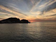 Playa Perú de Cerro Azul del mar de la puesta del sol del paisaje Foto de archivo libre de regalías