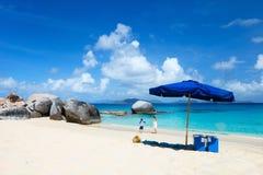 Playa perfecta de la imagen en el Caribe fotografía de archivo