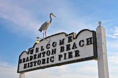Playa Pier Sign histórico de Bradenton Foto de archivo libre de regalías