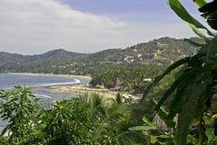 Playa pintoresca en el Océano Pacífico mexicano fotos de archivo libres de regalías