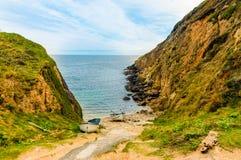 Playa privada asombrosa en la costa de Cornualles imágenes de archivo libres de regalías