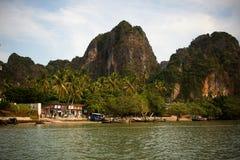 Playa railay del este en costa tailandesa Fotografía de archivo libre de regalías