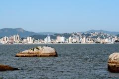 Playa - SC el Brasil de Florianopolis foto de archivo libre de regalías