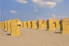 Playa-sillas Fotos de archivo libres de regalías