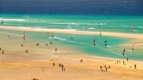 Playa Sotavento - самый лучший виндсерфинг и kitesurfing пляж в JandÃa, Канарских островах, Испании стоковое изображение rf